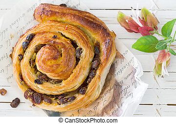 danois, raisin sec, patisserie, tourbillon, brioche
