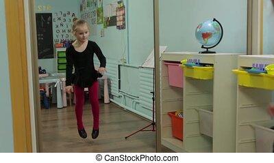 dans, ballerina, klein meisje, spiegel