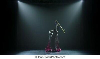 danse, canne, traditionnel, danseur ventre, silhouettes, girl, doré, smoke., séduisant, néon, body., fond, éclairage, svelte, oriental, flexible