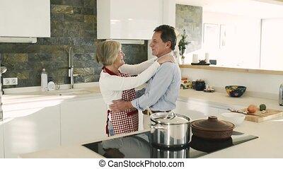danse, couple, cuisine, ensemble., personne agee, cuisine