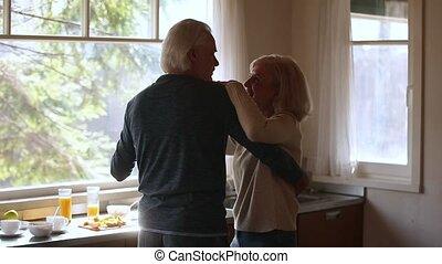 danse, couple, rire, mûrir, personne agee, heureux, cuisine