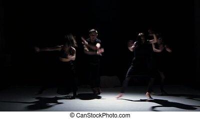 danse, danseurs, contemporain, cinq, noir, ombre, mouvements, sensuelles