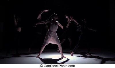 danse lente, danseurs, contemporain, mouvement, continuer, cinq, noir, ombre