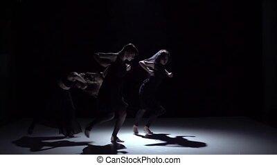 danse lente, danseurs, trois, contemporain, mouvement, gracieux, noir, ombre
