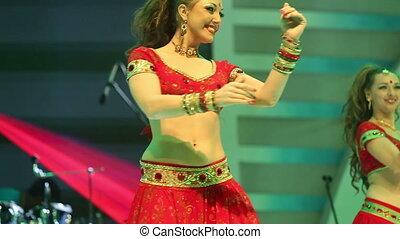 danse, national, indien, complet, girl, rouges, étape