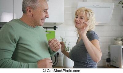 danse, retiré, kitchen., couple, moderne