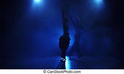 danseurs, danse, tango, exécuter, silhouette, lent, paire, mouvement
