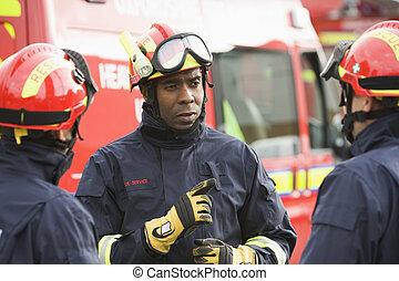 dar instrucciones, el suyo, bombero, equipo
