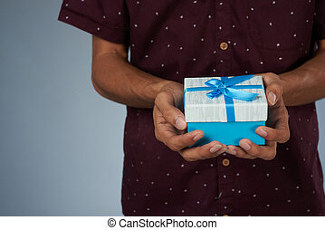 dare, piccolo, scatola blu, regalo