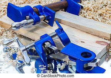 dark blue pipe clamp