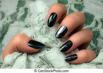 dark green nails manicure