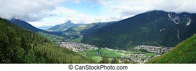 Das Stubaital in Tirol The Stubai Valley in Tyrol - ...