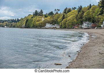 Dash Point Shoreline 1 - Small waves ripple toward shore at ...