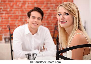 data, para, młody, restauracja