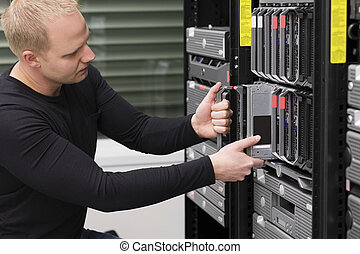 datacenter, conseiller, lame, il, serveur, maintenir