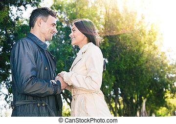 date, couple, parc, heureux