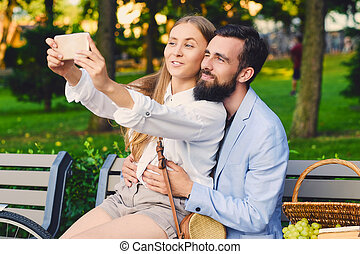 date, selfie, park., couple, faire