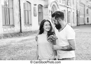 date, sentiment, valentines, romantique, amants, homme, jour, automne, amour, hipster, couple, love., concept., flowers., étreint, romance., barbu, woman.