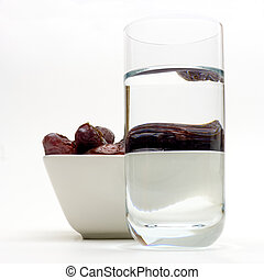 dates and water for ramadan