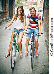 dates, sur, bicycles