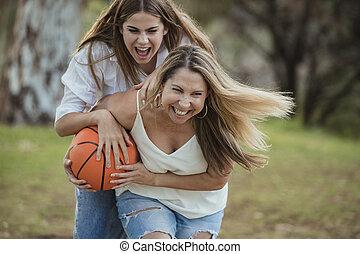 daugher, basket-ball, jouer, mère