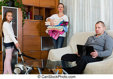 Daughter helping mother to clean - Daughter helping adult ...