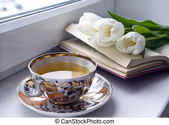 davanzale, tazza, tè, 3, tulips, libro, bianco