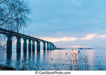 Dawn by the bridge