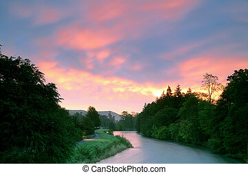 Dawn over the Tweed - Dawn breaks over the River Tweed at...