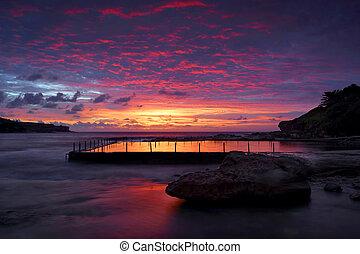 Dawn skies at Malabar Rock Pool