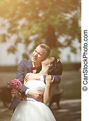 day., couple heureux, mariage, dehors