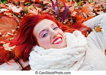 day., femme heureuse, parc, jeune, ensoleillé, automne