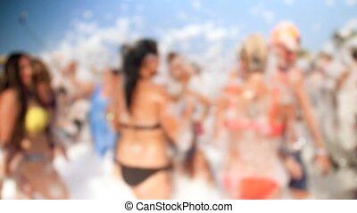 day., mousse, avoir, foule, gens, bikinis, danse, ensoleillé, jeune, swimsuits, gai, clair, vidéo, 4k, fête, plage, savon