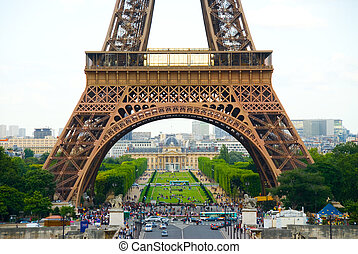 Daytime Eiffel - Eiffel Tower in Paris in the day time