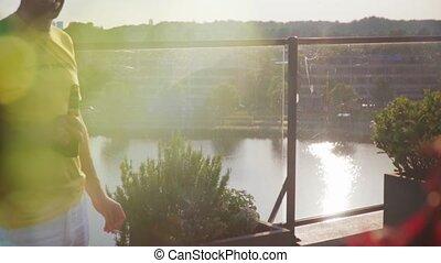 de, 11, focusing., bière, homme, terrasse, boire, appartement terrasse, hd