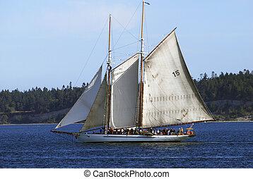 de, adventuress, gaff, topsail, two-masted, schooner