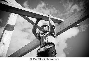 de arbeider van de bouw, met, hout