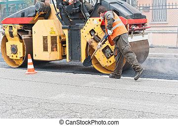 de arbeider van de bouw, met, shovel., stedelijke straat, onder, construction.