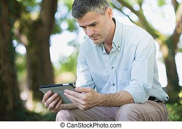 de conexión, tableta, hombre