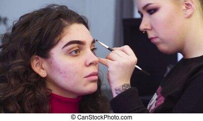 de, kunstenaar makeup, kleuren, wenkbrauw, van, de, model