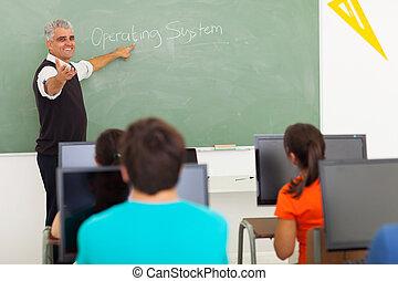 de leraar van de school, hoog, computer, lesgeven