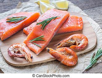 de madera, crudo, salmón, tabla, camarones