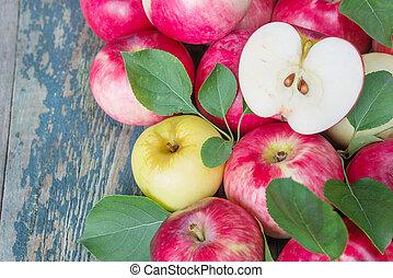 de madera, manzanas, plano de fondo, rojo