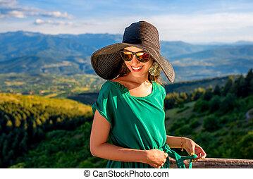 de madera, montañas, mujer, terraza