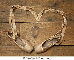 de madera, par, zapatos de ballet, piso