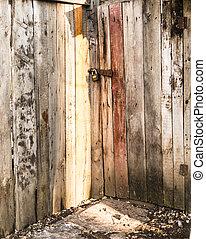 de madera, puerta cerrada, luz del sol