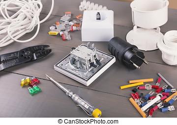 de madera, tabla, electricista, accesorios, herramientas