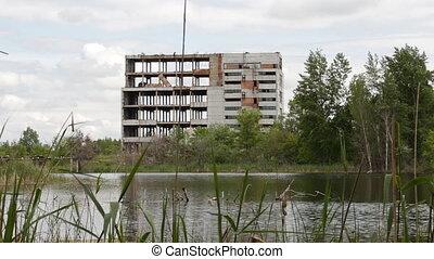 de, onbeheerd gebouw