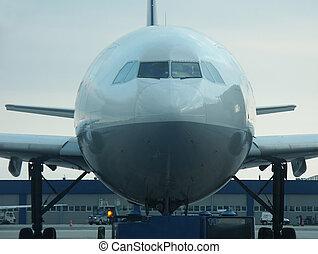 de par en par, cuerpo, avión