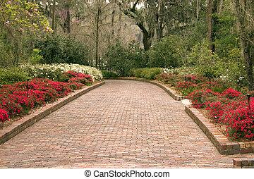 de par en par, jardín, sendero